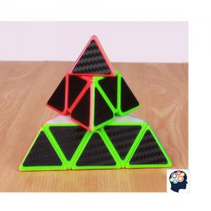 casse tete pyramide Rubik cube